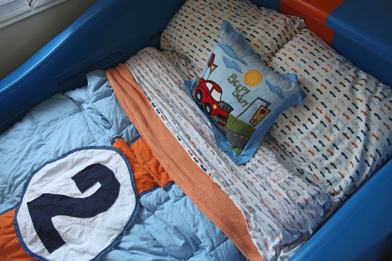 Sam S Room The Lemans Gulf Livery Car Bed Stately Kitsch