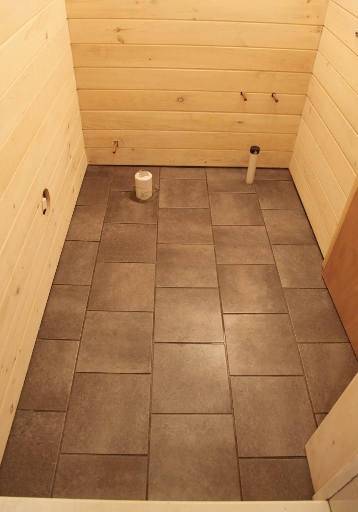 OUR HOME Stately Kitsch - Fake slate floor tiles
