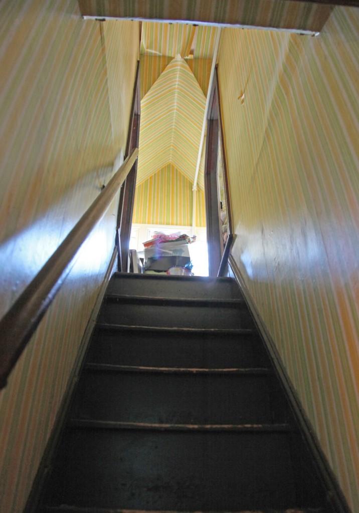 thirdfloor-stairs