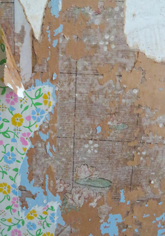 closet-vintagewallpaper